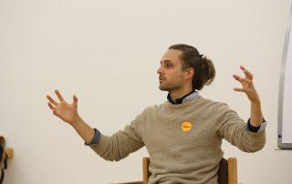"""Coach Stefan Haefner bei der Workshopreihe """"Veränderung der Strukturen"""""""